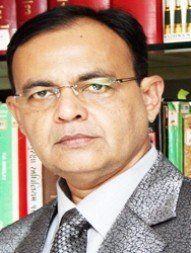अहमदाबाद में सबसे अच्छे वकीलों में से एक -एडवोकेट के रूप में सैयद