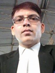 वाराणसी में सबसे अच्छे वकीलों में से एक -एडवोकेट  आशुतोष कुमार सिंह