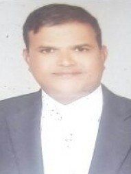 जलालपुर में सबसे अच्छे वकीलों में से एक -एडवोकेट  मनीष चंद्र मिश्रा