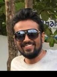 मुंबई में सबसे अच्छे वकीलों में से एक -एडवोकेट प्रतिक वीरेंद्र शाह