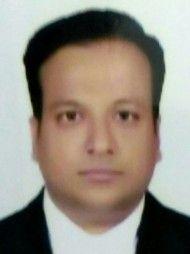 रायपुर में सबसे अच्छे वकीलों में से एक -एडवोकेट  रुचिर झानवार