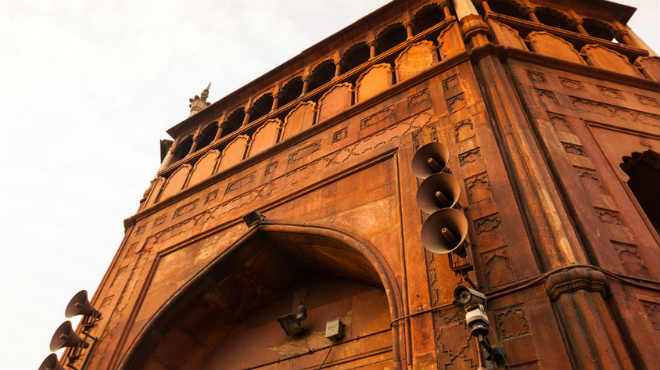 SC directs centre to remove loudspeakers from religious places