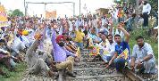 Consumer Forum says inform passengers about protest on rail tracks